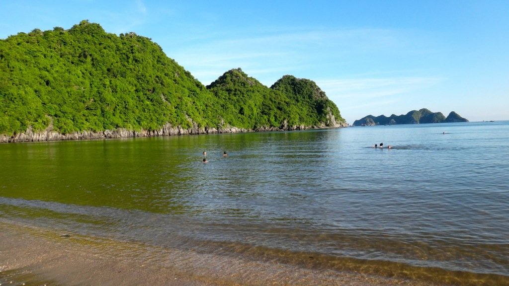 Tung Thu (Cat Co 4) Beach, Cat Ba, Haiphong, Vietnam